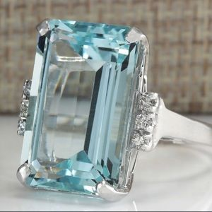 Jewelry - NWT 16 Carat Aquamarine Ring
